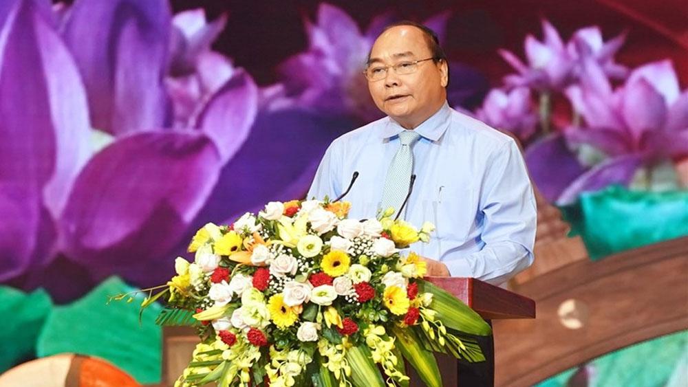 """Thủ tướng: Nhân rộng gương người tốt để 'cả dân tộc ta là một rừng hoa đẹp"""""""